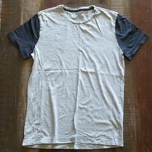 Banana Republic Men's Soft Wash T Shirt